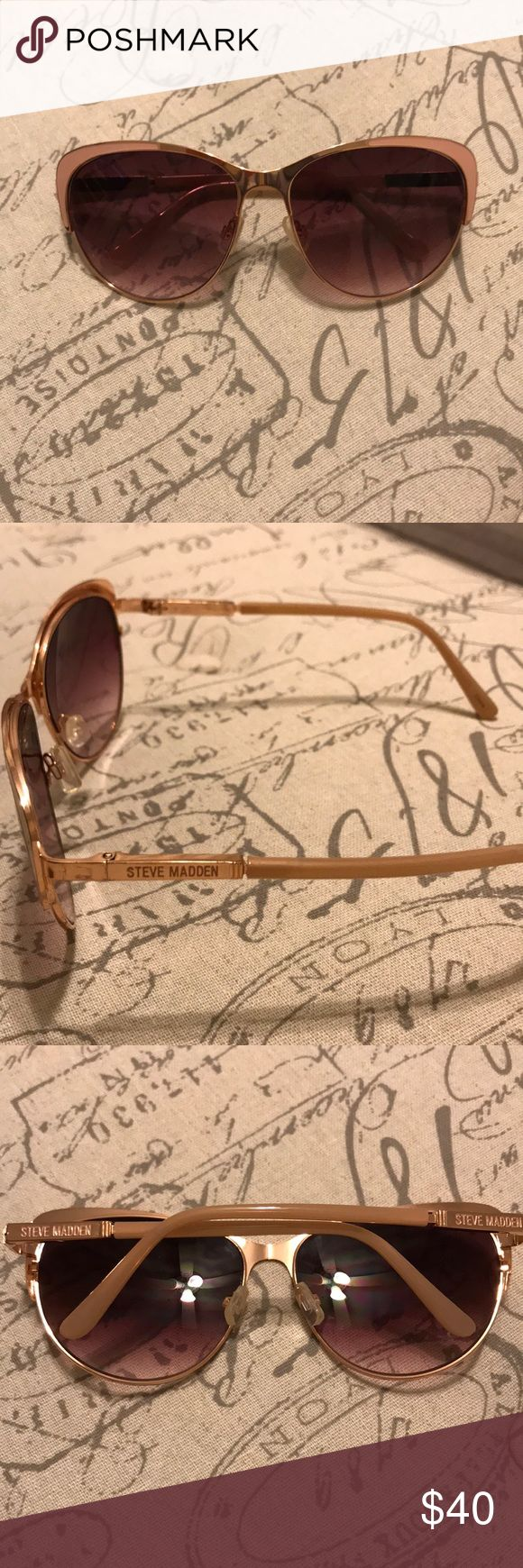 Steve Madden women's sunglasses Steve Madden women's sunglasses. Light pink and gold detail. Steve Madden Accessories Glasses