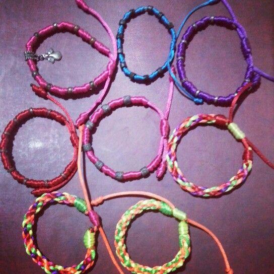 Más pulseras