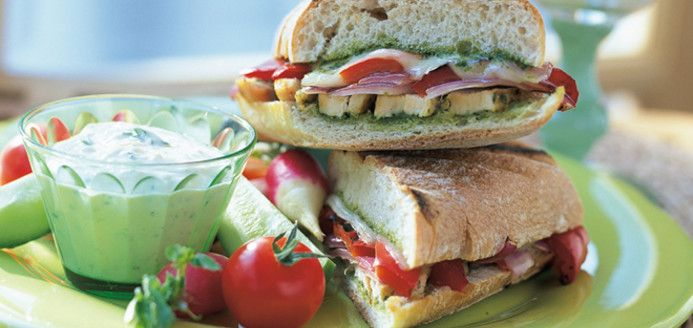Grilled Chicken and Roasted Bell Pepper Panini Recipes | Ricardo
