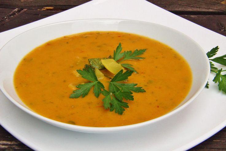 Cukinová curry polievka