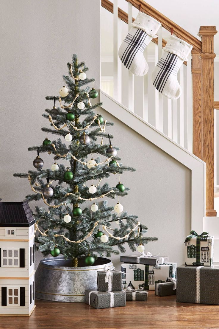 2019 Christmas Tree Trends Christmas Decor Trends Of 2019 | Christmas decorations | Metal