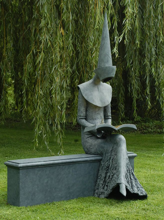 A striking sculpture entitled 'Reading Chaucer' by Philip Jackson #books #art #creativity