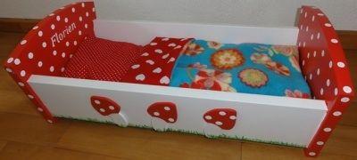Rood met witte stippen paddenstoel bed Tip combineer beddengoed met rood met witte stippen stof!