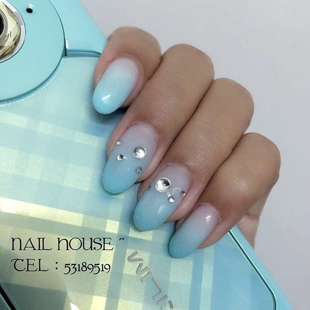 nail_addy_#addynail#gelnail #gelnails #gel甲 #gelnailshop #nails #nail #nailshop #nailart #美甲 #美甲店 #指甲油 #softgel #soakoffgel #卡通 #法式甲 #hknailshop #旺角 #ハンドペイント#igshop #manicure #ネイル #love #旺角新之城#nailhouse#hellokitty#夏季美甲款式 NAIL HOUSE.美甲小屋 地址:新之城三樓332號鋪(旺角地鐵站D2出口) softgel:單色190 hardgel:單色200(包修手) 腳 softgel:單色250 hardgel:單色280 歡迎24小時預約. 電話:53189519(凌晨十二點之後請whatsapp)