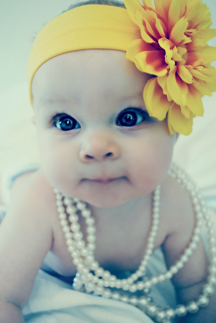 Beautiful Baby Girl: Little Girls, Baby Girls Pics, Baby Headbands, Flower Headbands, Big Eye, Baby Girls Pictures, Baby Girls Photos, Yellow Flower, Beautiful Baby