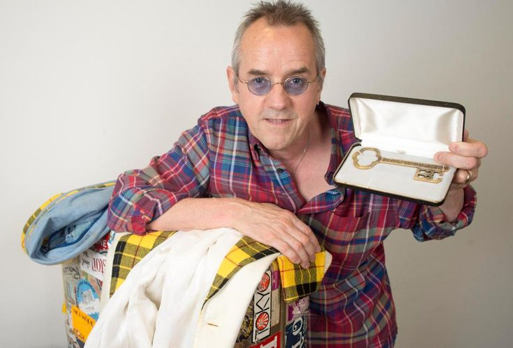 Bay City Rollers legend Stuart 'Woody' Wood reveals he has finally gone solo – at the age of 60 – The Scottish Sun