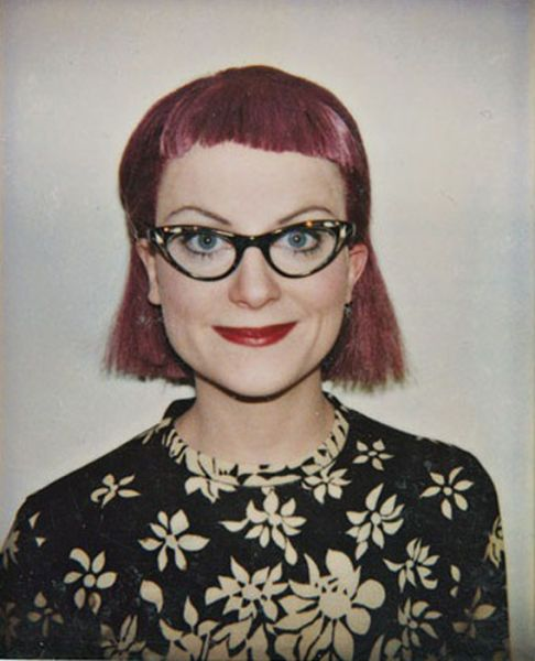 30 Hilarious Faces of Amy Poehler - this is AWESOME....taken with polaroids