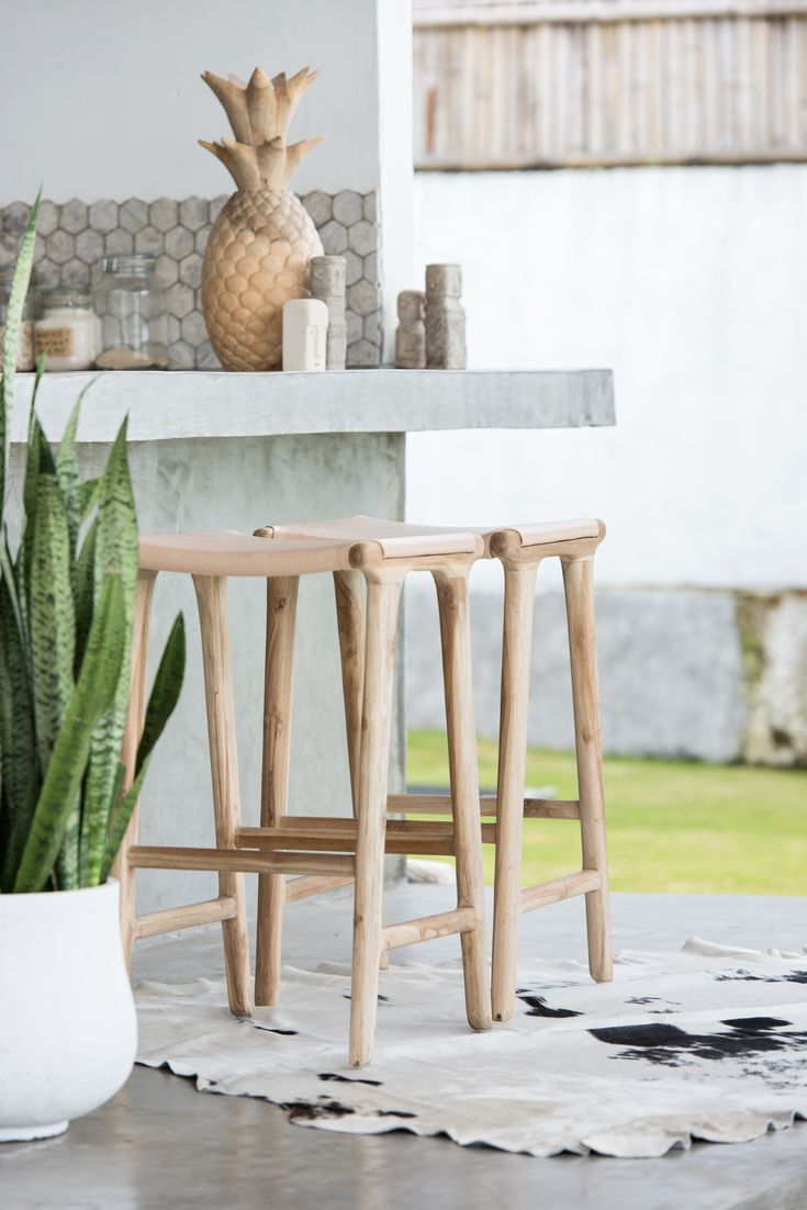Tropical Bar Style Outdoor Living Leather Barstools Bali