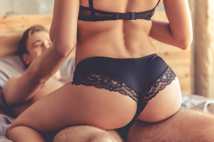 10 Steamy Tricks to Add to Your Repertoire for Expert-Level Sex