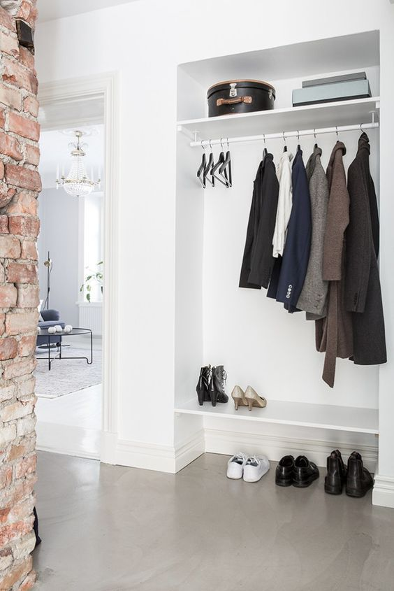 Passion Shake | 9 Minimal Hallways With No Clutter At All | http://passionshake.com