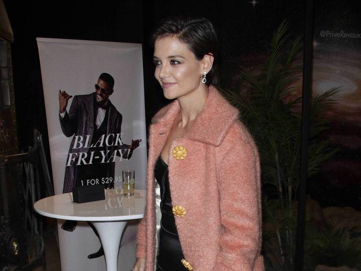 """Katie Holmes und Jamie Foxx gemeinsam auf dem gleichen Event? Eine Seltenheit – sind sie endlich bereit zu ihrer Beziehung zu stehen, über die schon so lange gemunkelt wird? Seit 2013 brodelt die Gerüchteküche um eine Beziehung zwischen Katie Holmes (38, """"Batman Begins"""") und..."""