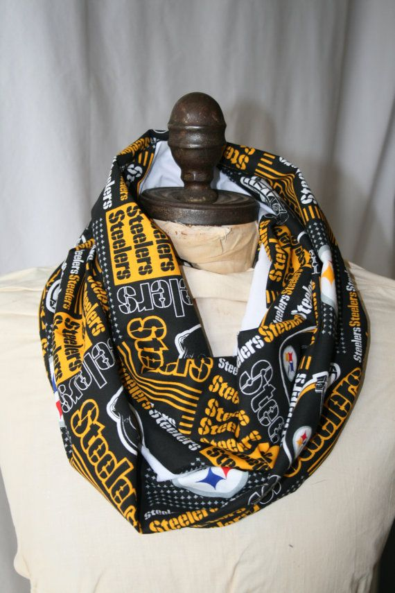 ~NFL Infinity Scarf! Perfect for tailgating, game day parties, or just lounging around the house supporting your team. Fabulous gift for any sports