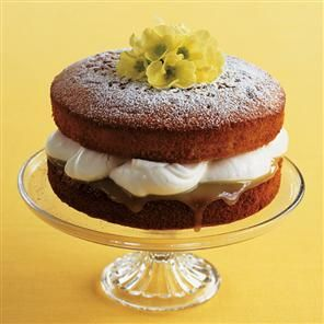 Lemon and coconut cake---looks pretty, yummy, and (hopefully) simple to make. I will have to try making this.