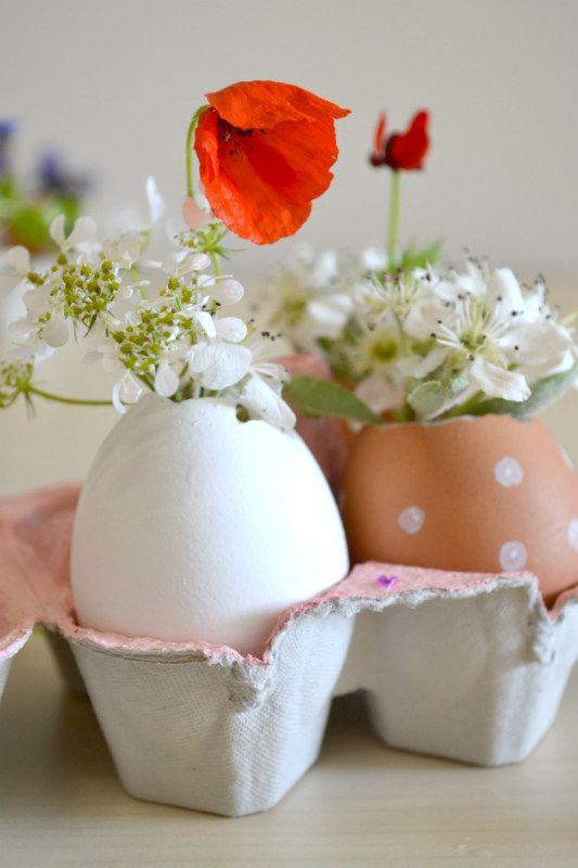 decorazioni fai da te con fiori e uova papaveri