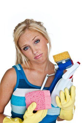 Het liefst wil je voor elke kleine vraag je moeder bellen. Maar je bent een onafhankelijke vrouw en je wilt haar niet belemmeren met jouw geringe kennis van het huishouden. Daarom hebben wij grootmoeders (schoonmaak)tips verzameld!Woon- en slaapkamerWil je een lekkere frisse geur in huis? Maak