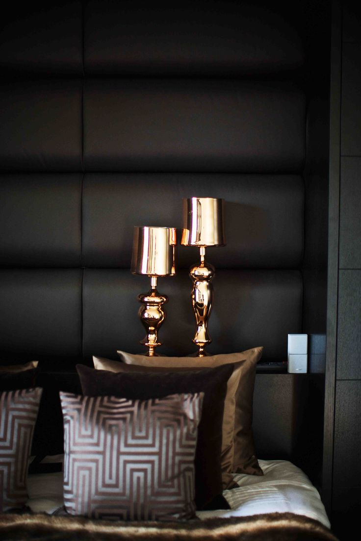 gold black and pewter colour palette luxurious bedroom mehr - Black Bedroom Ideas