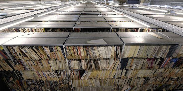 """4000 vinyles parmi les 1,5 millions de disques dont une """"sélection électronique""""."""