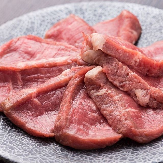 ラム芯ロースです! レアで食べると柔らかくて美味しいです! #北ジン #ジンギスカン #焼肉 #ラム芯ロース #ラム #浜松町ディナー #浜松町 #肉 #浜松町飲み #大門ディナー