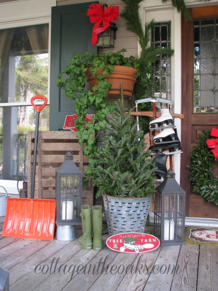 1000 ideas about christmas front porches on pinterest for Patios decorated for christmas