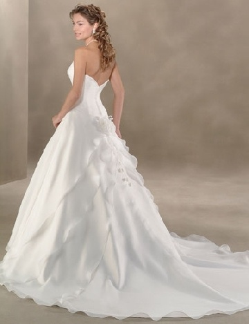 cathedral wedding gowns wedding-beach-venues