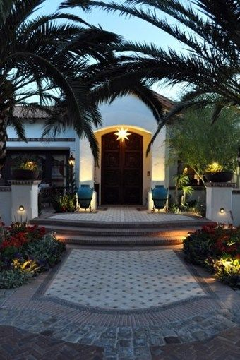 1000 Ideas About Front Door Landscaping On Pinterest Curb Appeal Craftsma