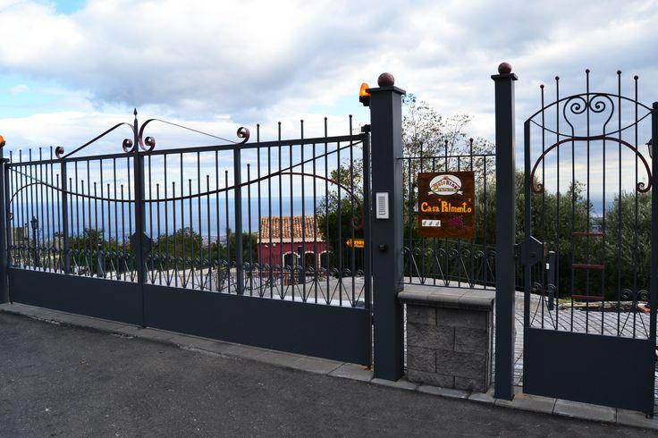 Cancello Casa Palmento. Agriturismo DolcEtna