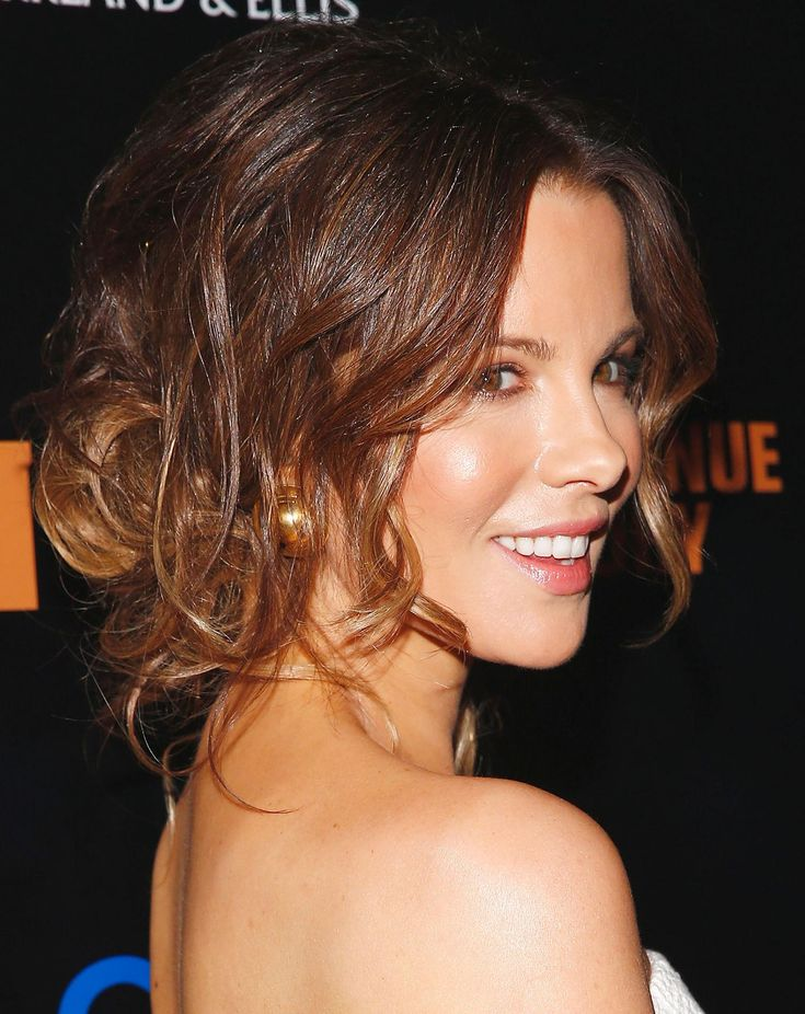 Kate BeckinsaleCute Smile With Beautiful Half-up Half-down Hair Style
