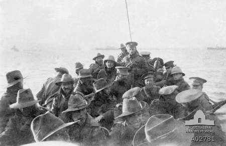 ALifeboat carrying unidentified men of the 1st Divisional Signal Company, 25 April 1915. A02781