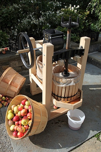 Apple Cider press from Happy Valley in Kansas