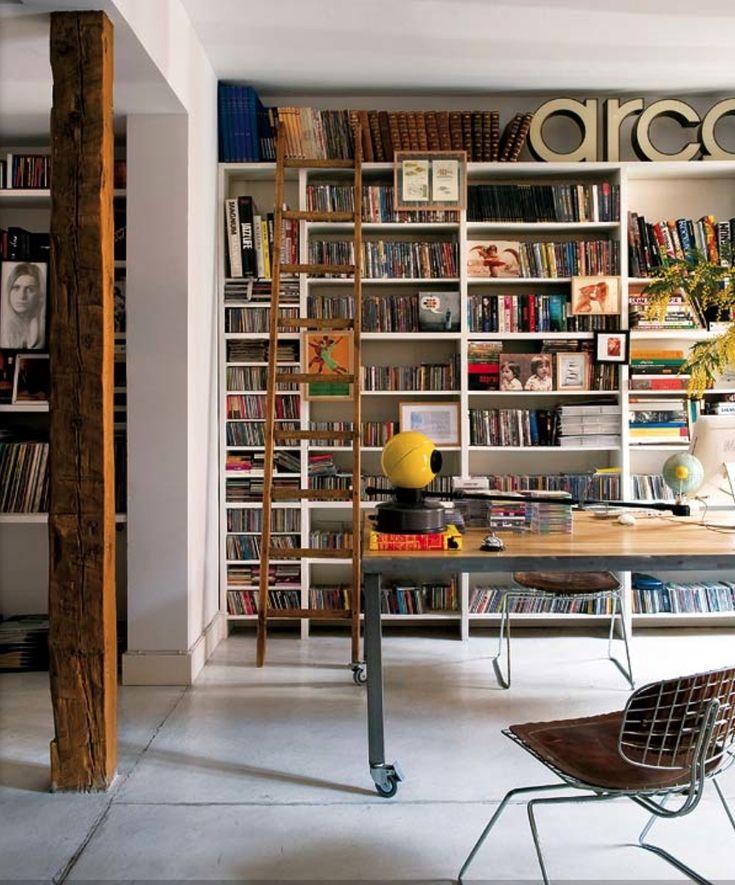Bibliotheekkast met ladder ingebouwd