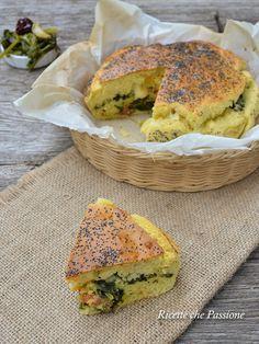 Torta salata all'olio d'oliva, farcita con cime di rape e salsiccia calabrese - Ricette che Passione
