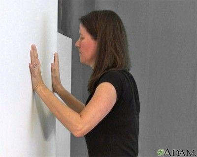 Flexiones de pecho contra la pared