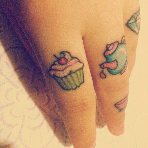 Teatime on fingers.