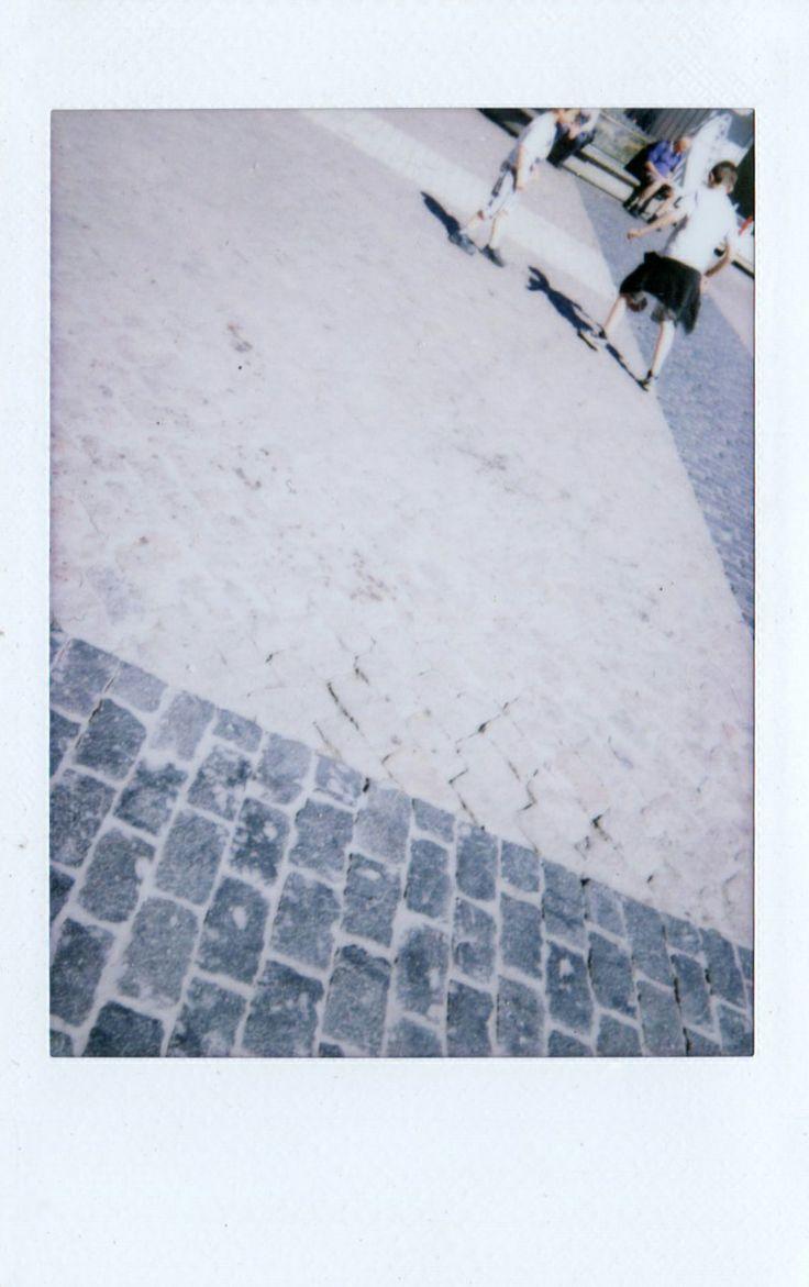 Plaza Mayor - Madrid / Los niños están jugando / By Teresa Juan