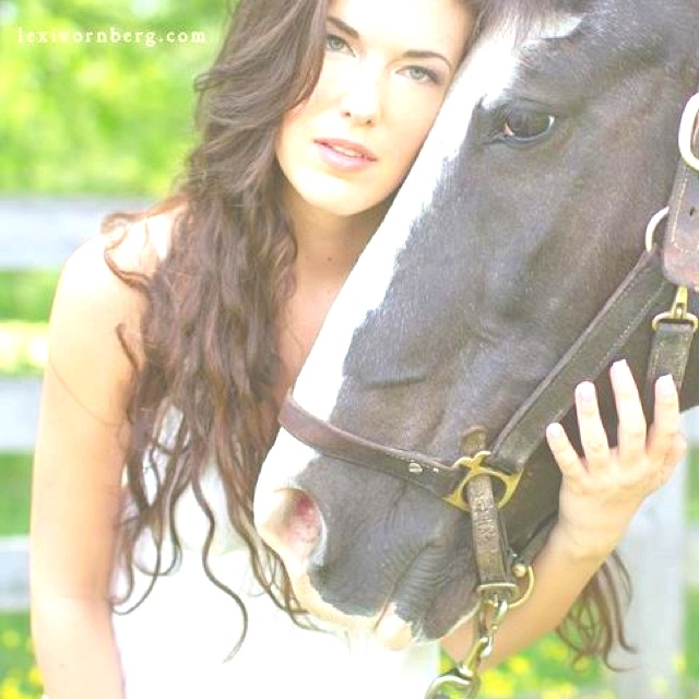 Horse and Senior Photo Session Ideas | Props | Prop | Photography | Clothing Inspiration| Fashion | Pose Idea | Poses | Portraits | Portrait | Pet | Country