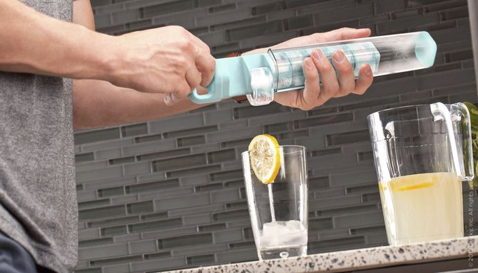 Cube Tube - A vertical ice cube tray.