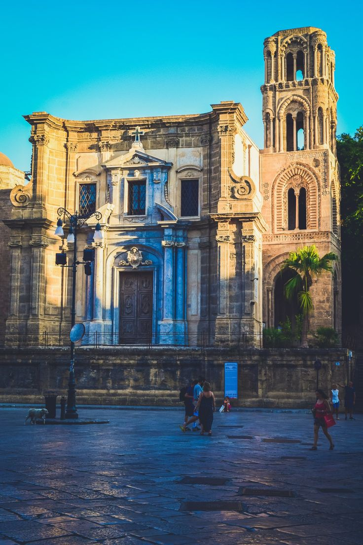 How to tackle and explore the historic city and pulsing heart of Sicily, Palermo, in just an afternoon!A travel guide to the essential Palermo stops.