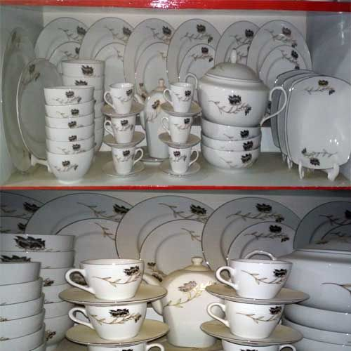 monno ceramics Initially produced by royal thai porcelain, the suite was redesigned to extend  the range and is manufactured by monno ceramics in bangladesh the  tableware.