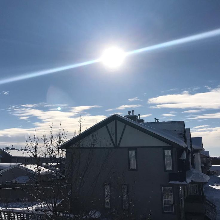 What is the foreign object in the sky!?  Today our crews are busy with all of the snow weve had in the last week!  Stay safe Calgary roads are still icy!  . . . #assiniboinelightsandlandscapes #assiniboinelandscapes #assiniboine #yycisbeautiful #partynextdoor #outdoordesign #calgary #yyclandscaping #landscaping #yycdesign #snowremoval #vacation #landscape #snowplowing #yycsnowremoval #outdoorliving #yycbusiness #snow #alberta #winter #contractorsofinsta #hgtv #lovehgtv…