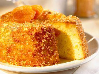 Découvrez la recette Gâteau à l'orange et abricot sec sur cuisineactuelle.fr.