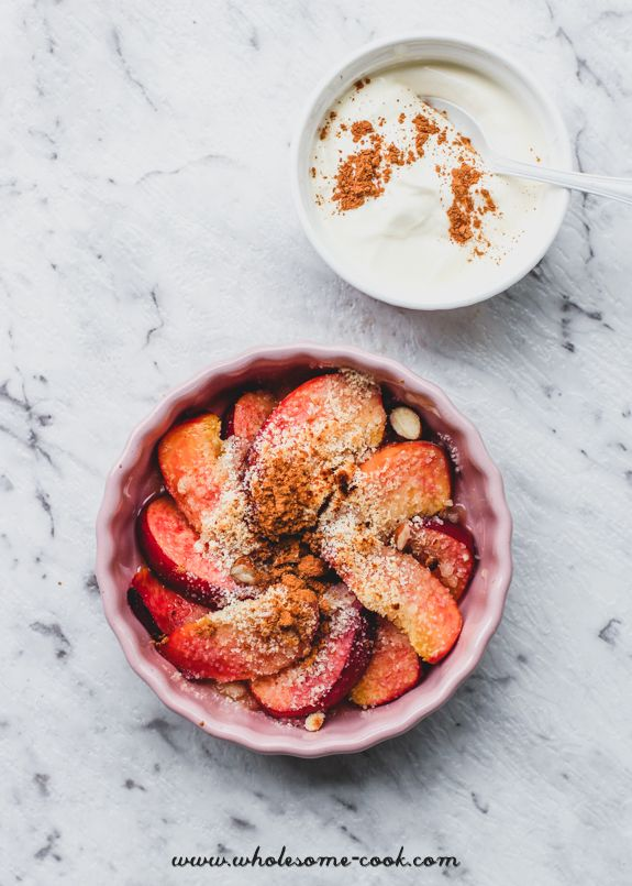 Nectarine Almond 'Crumble' with Cinnamon Yoghurt - http://wholesome-cook.com/2017/02/08/nectarine-almond-crumble-with-cinnamon-yoghurt/