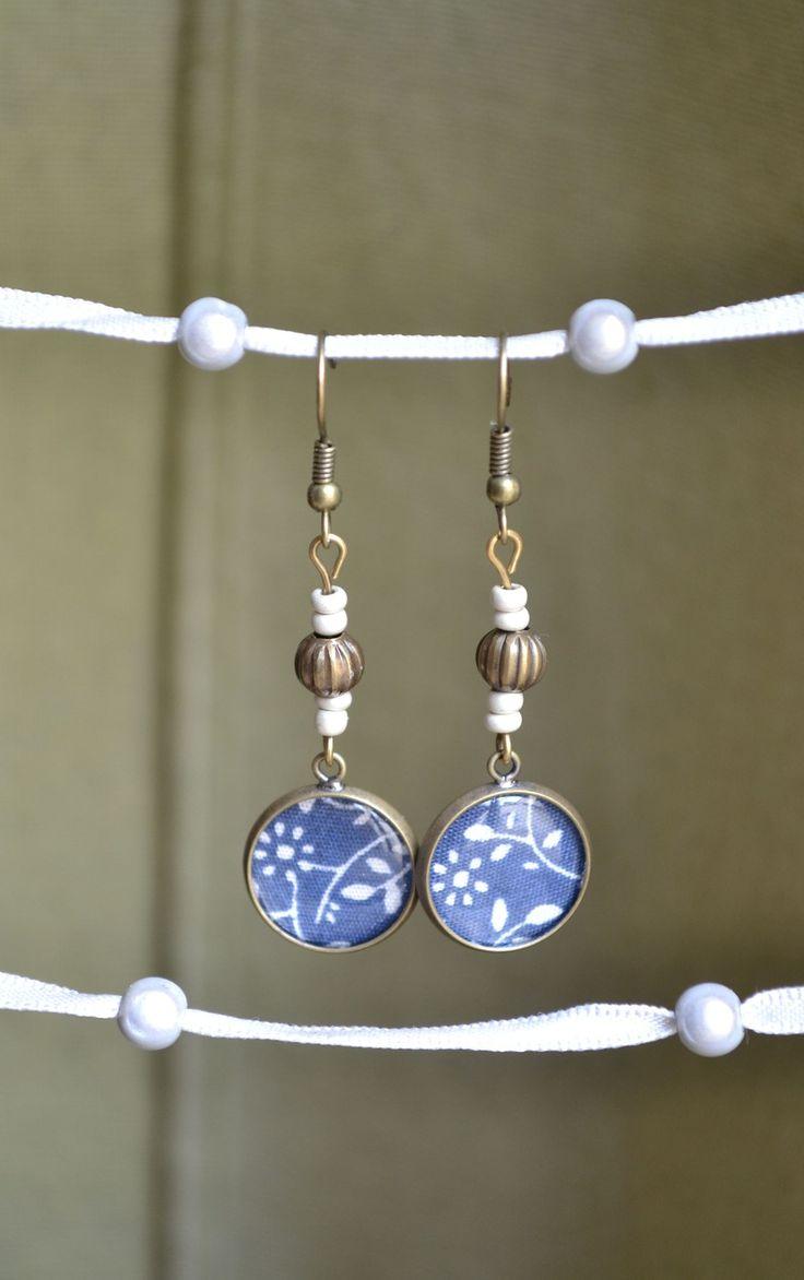Boucles d'oreilles avec cabochon et perle bronze : Boucles d'oreille par libelula-crea