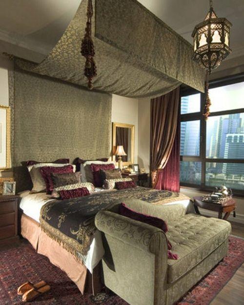 orientalische Lampen in der Wohnung - extravagant - Texturen aus Samt