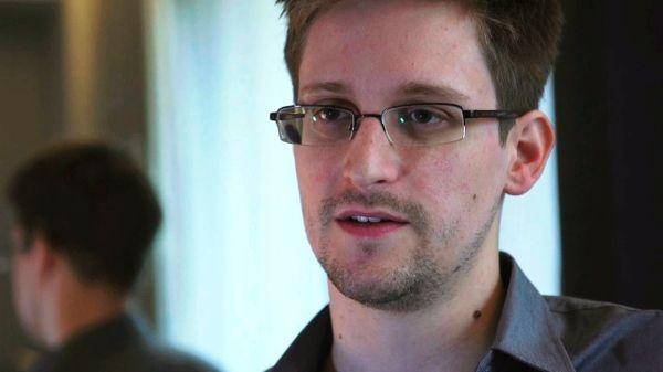 Frankfurter Allgemeine Zeitung/Politik/ Russland /Snowden erhält Asyl und verlässt Flughafen / http://www.faz.net/aktuell/politik/russland-snowden-erhaelt-asyl-und-verlaesst-flughafen-12315391.html