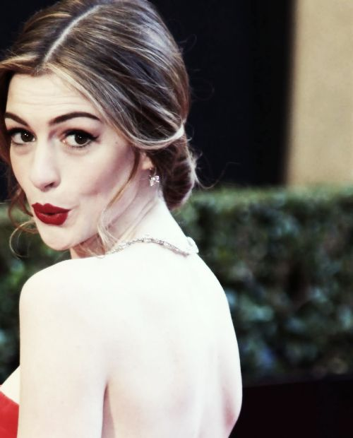 56 Best Images About ♥Anne Hathaway On Pinterest