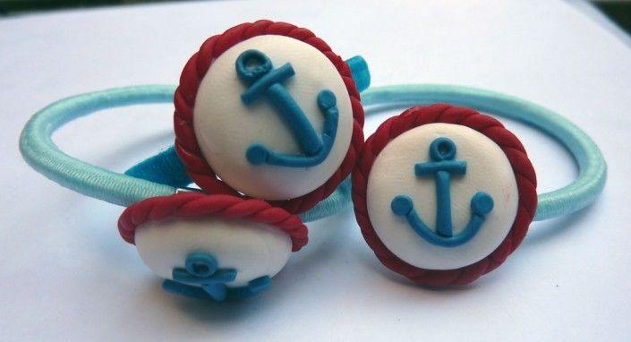 Hair laces with white hair still blue anchor in polymer clay handmade - Lacci per capelli bianchi con ancora azzurra in fimo fatto a mano
