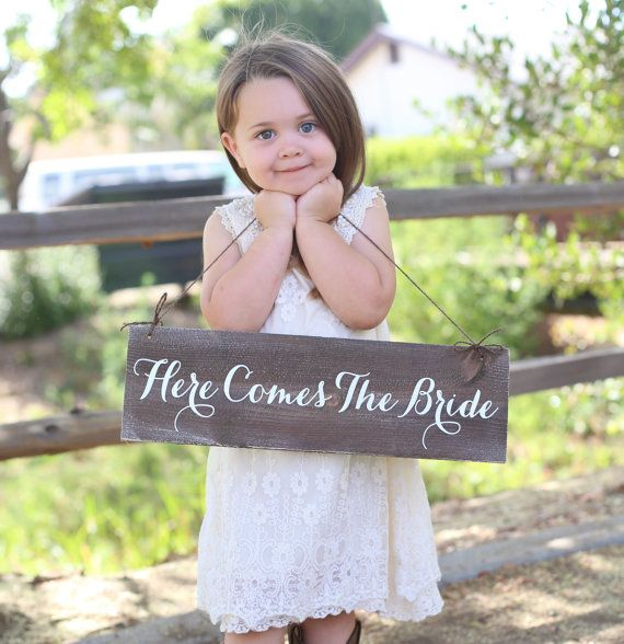Welcome to Morgann Hill Designs!    1) Description Of Item  For sale is a gorgeous rustic chic Here Comes The Bride wedding sign. Completely custom