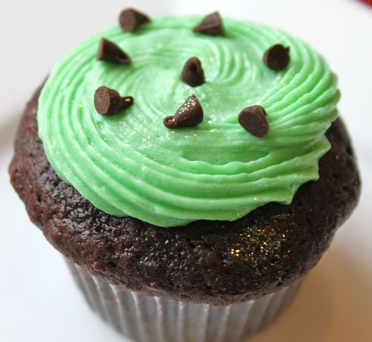 Mint Chocolate Chip Cupcakes and Frosting (cooked white frosting w ...