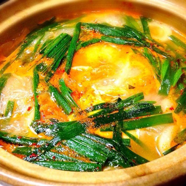 今日は、寒くて寒くて… あったかいうどんをピリ辛鍋にしました♪(๑ᴖ◡ᴖ๑)♪ - 73件のもぐもぐ - チゲ風煮込みうどん鍋 by yuinori