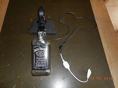 1000 id es sur le th me lampe jack daniels sur pinterest bouteille de jack daniels lumi res. Black Bedroom Furniture Sets. Home Design Ideas